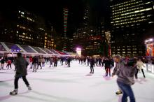 bryant park hiver new york patinoire
